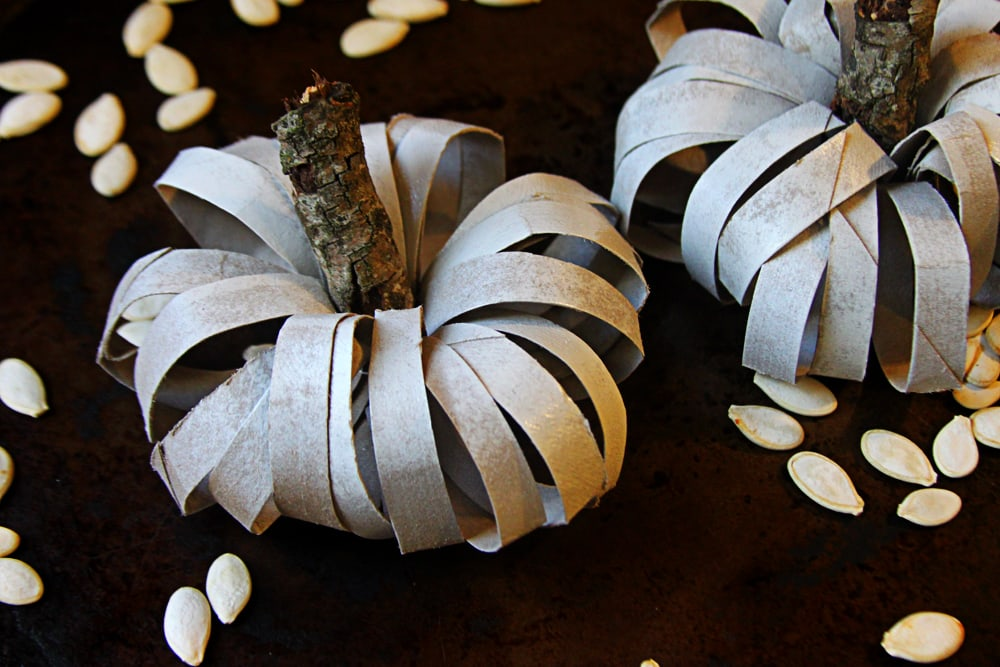 Toilet roll pumpkin craft