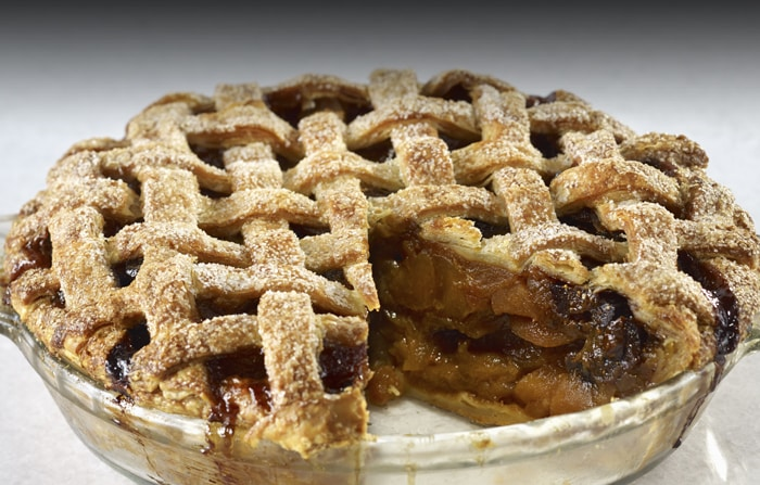 Recipe: Mouth-Watering Holiday Apple Pie with Dried Fruit and Caramel ...