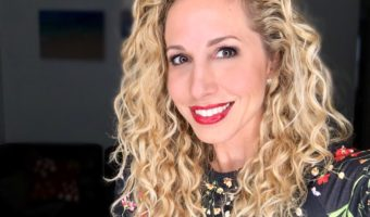 Top curly hair tips to avoid frizz