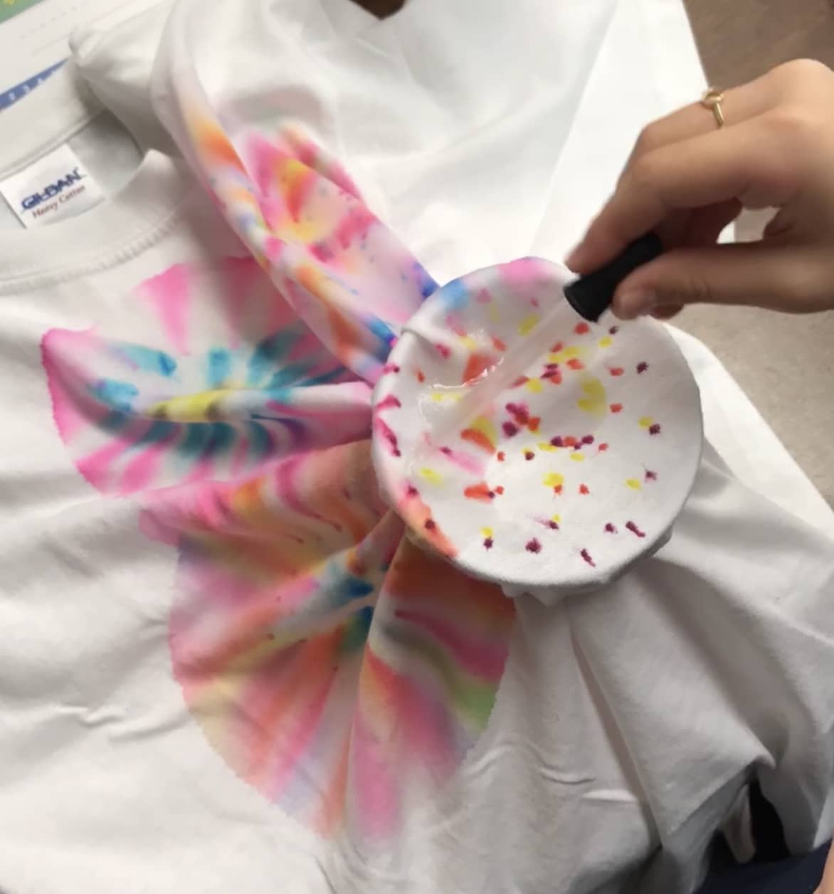 How to make your own tie dye t shirts using markers for How to make tie dye shirts at home