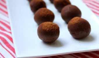 This chocolate truffles recipe is so easy