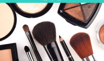 What to take in your travel makeup kit
