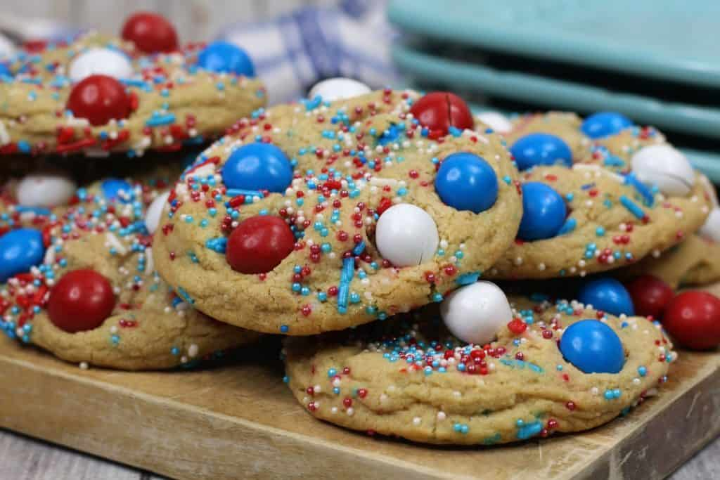 How to make 4th of July cookies with M&Ms