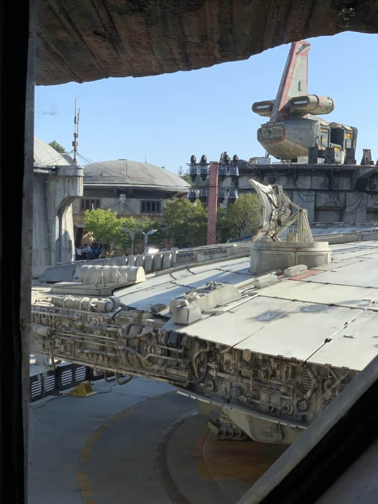 Tips for Disneyland Star Wars: Galaxy's Edge - view from Smuggler's Run queue