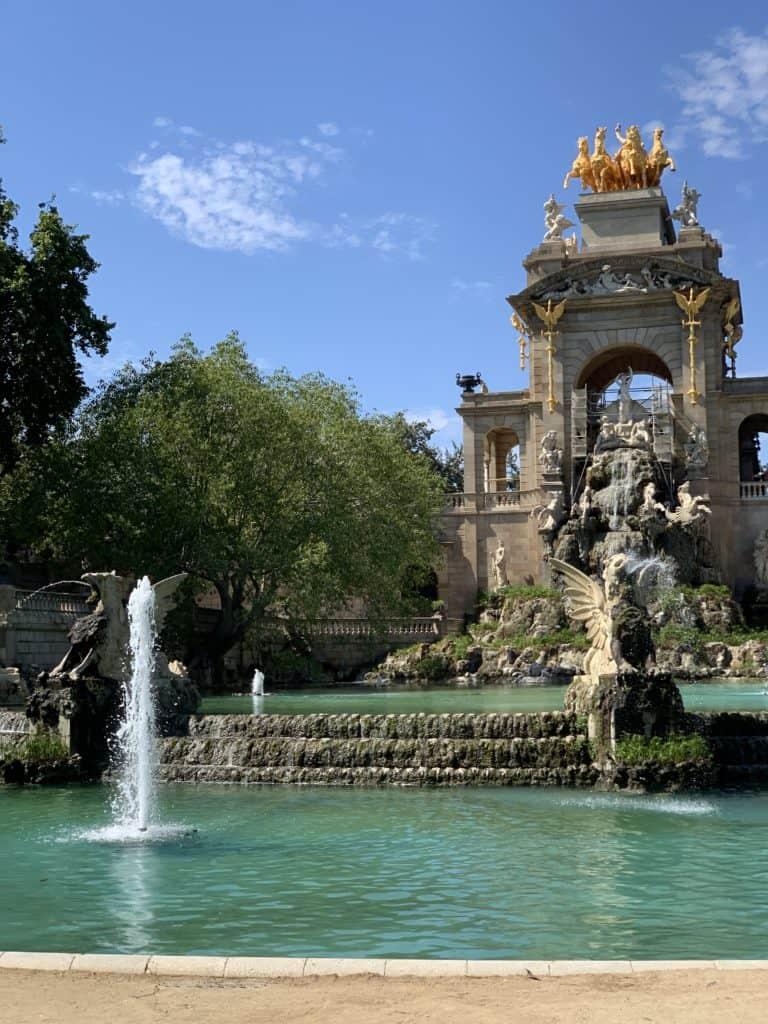 Parc de la Ciutadella in Barcelona is so beautiful