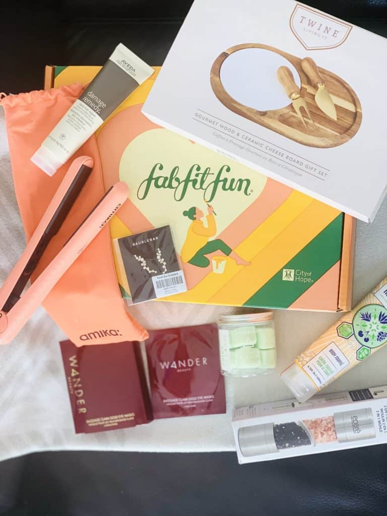 Check out this FabFitFun Fall box unboxing, see what's included in this subscription service, and whether it's worth. Find out how to get your box for under 25 dollars!
