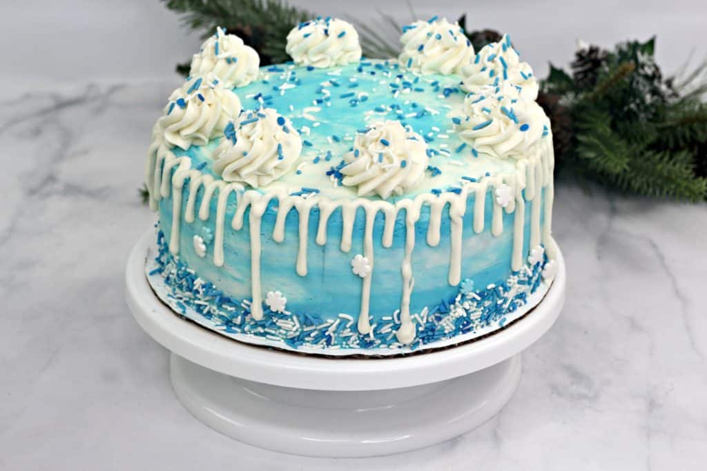 How to make a beautiful sparkle cake that is perfect for Frozen fans