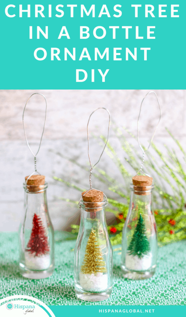 This Christmas tree in a bottle ornament is a very easy craft that you can make with your children. This adorable DIY only requires 4 steps!