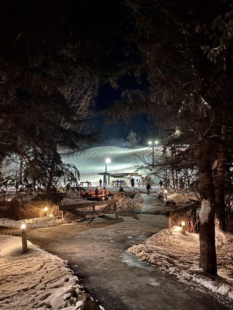 Sundance Mountain Resort offers powdery snow for skiers and snowboarders, rustic luxury, and a laid back atmosphere. It's perfect to destress.