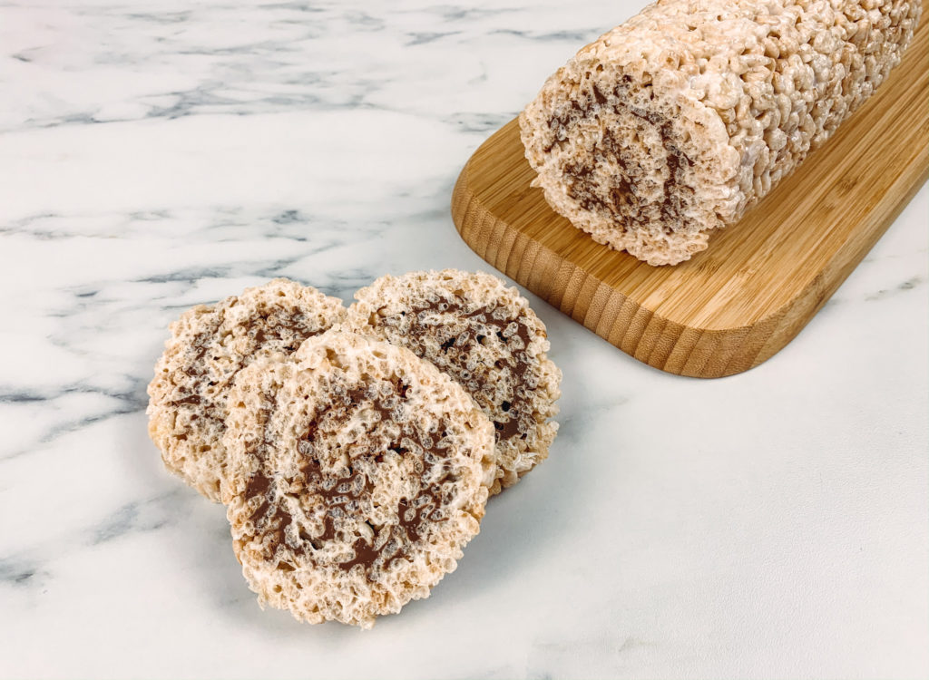Looking for a delicious gluten-free treat for the entire family? This Rice Krispies and chocolate pinwheel is so good that everybody will be begging for more!