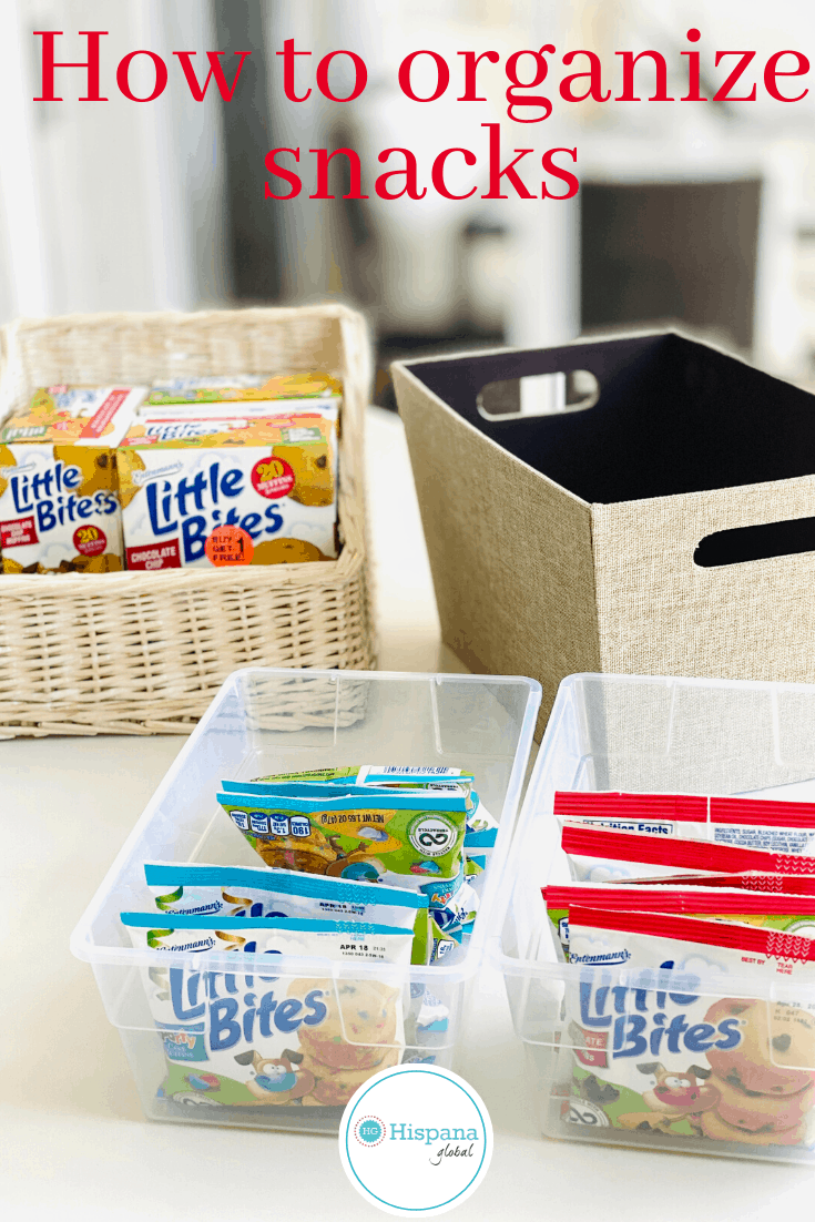When it comes to snack time, keeping everything organized makes life easier. Here's how to quickly  organize snacks for kids. #sponsored