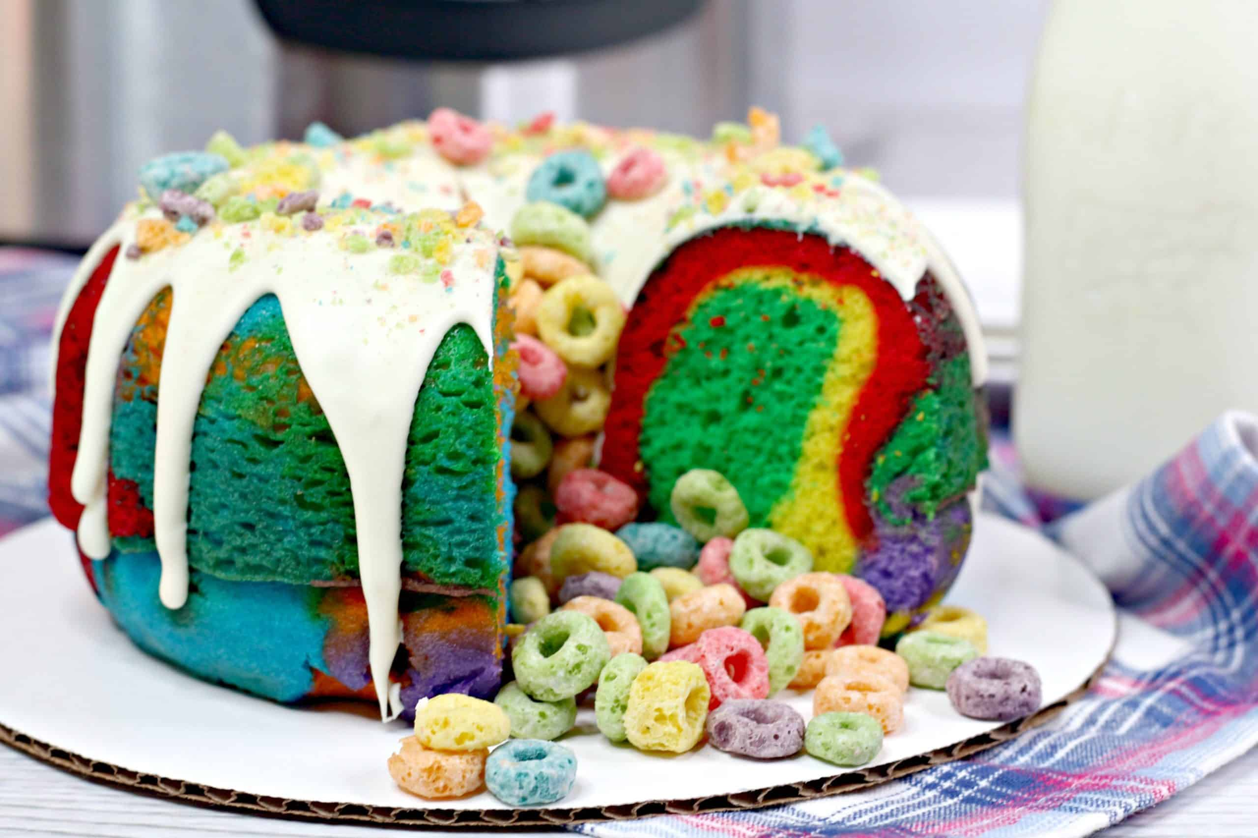 This Instant Pot rainbow Bundt cake has a crunchy surprise: colorful Fruit Loops! It's easier to make than you think. Here's how.