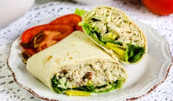 These easy chicken salad wraps are so yummy! There´s even a gluten free option.