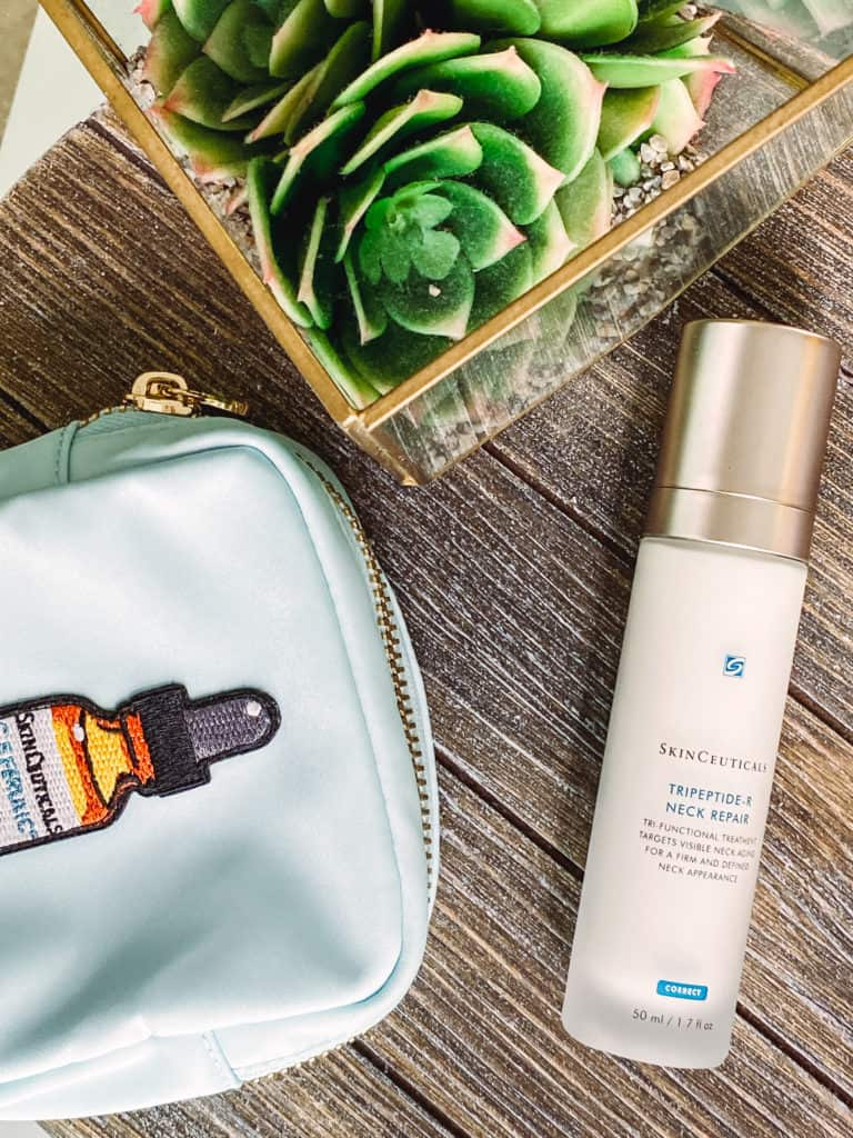 We tend to forget about our delicate neck area until we start seeing horizontal lines or saggy skin.Here are the top neck firming products that really work.